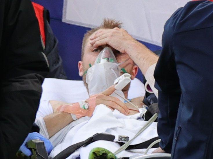 La imagen de Eriksen que tranquilizó a todos tras su desmayo (REUTERS/Friedemann Vogel)