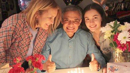 José José pasó sus últimos años al lado de Sara Salazar y Sarita Sosa (Foto: Instagram @josejoseoficial)
