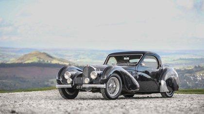 Por el Type 57S Atalante de 1937 se pagó más de diez millones de euros (Bugatti)