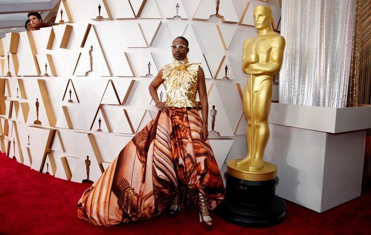 Billy Porter uno de los más polémicos en la elección de sus outfits estuvo dentro de los peor vestidos en los Oscars en su edición número 92.