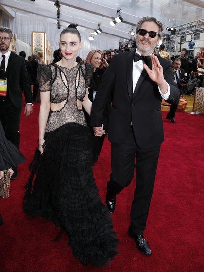 Joaquin Phoenix y Rooney Mara en la última entrega de los Oscar (Reuters)