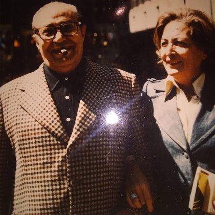 Julio Gallego Soto con su esposa Sara Etchepare, en 1977 durante un viaje a Nueva York