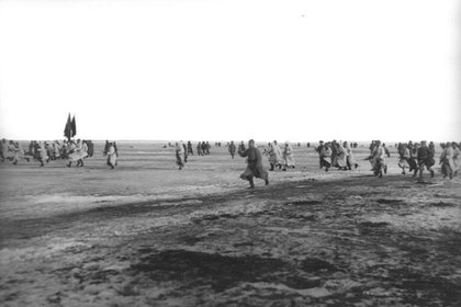 Registro sobre el alzamiento de lo marineros de Kronstadt contra el gobierno soviético. En la foto, tropas del Ejército Rojo.
