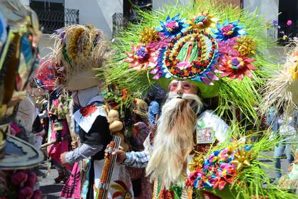 Los estudiantes estuvieron en el carnaval de Huejotzingo (Foto: EFE)
