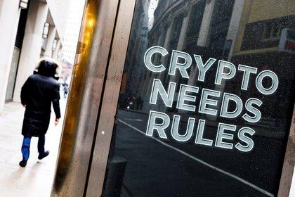 El cartel de una plataforma de intercambio de dinero digital, en Nueva York EFE/ Justin Lane/Archivo