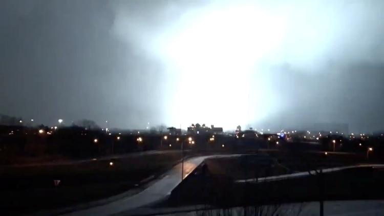 Imagen de la tormenta eléctrica (BRIAN BATES via REUTERS)