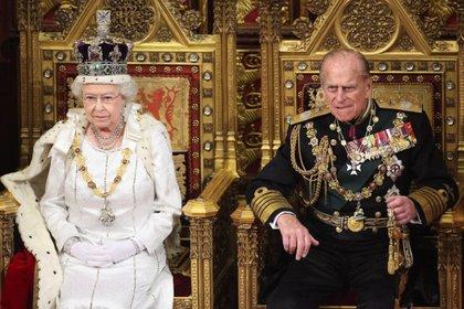 Después del funeral del pasado sábado, Isabel II se ha refugiado en el Castillo de Windsor junto a su fiel personal de servicio y sus tres corgis
