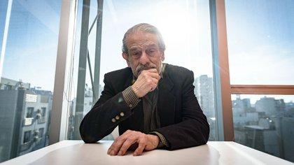 Mario Sabato (Martín Rosenzveig)