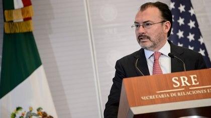 La FGR planteó solicitar la emisión de ficha roja para Luis Videgaray  (Foto: AFP)