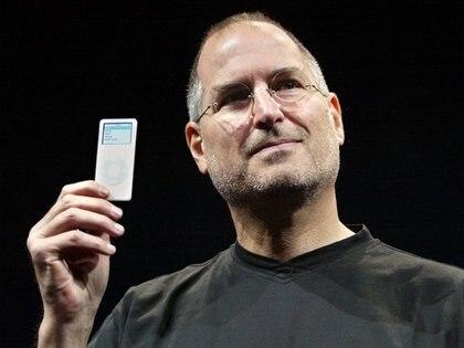 El iPod Nano fue uno de los dispositivos que marcaron la tendencia de innovación dentro de la compañía. (Foto: Reuters)