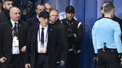 Neymar insultó a los árbitros durante la eliminación del PSG en la Champions (Reuters)