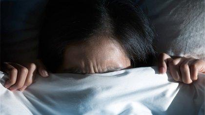 La app genera una suave vibración en la muñeca del usuario con el objetivo de interrumpir ese mal sueño, sin despertarlo, para que así la pueda lograr un descanso reparador