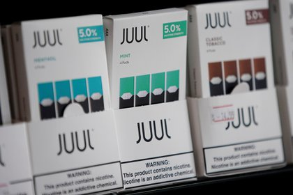 """Los líderes de la compañía entendieron el beneficio a largo plazo de los usuarios jóvenes en su balance final, dijo el gerente. Era bien sabido que los clientes jóvenes eran """"el segmento más rentable en la historia de la industria del tabaco"""" (REUTERS/Elijah Nouvelage)"""