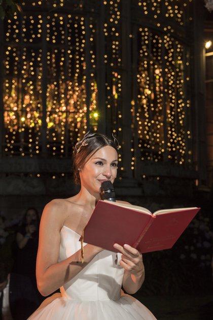 Pampita agradeció a los invitados y le dedicó tiernas palabras a su pareja