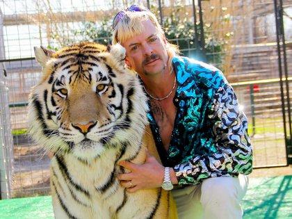 """Joe Exotic, el protagonista de """" Tiger King"""", enfrenta una condena de 22 años de prisión por un homicidio por encargo y crímenes contra la fauna salvaje. Se encuentra detenido en Fort Worth, Texas."""