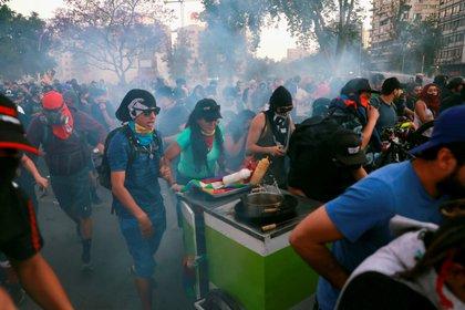 Las protestas de este miércoles en Santiago (REUTERS/Henry Romero)