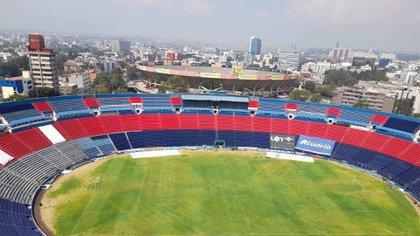 La empresa que administra el lugar lo volvió a rentar para eventos deportivos en 2020, los Potros volvieron a alquilarlo para jugar algunos encuentros de la Liga de Expansión (Foto: Twitter / @Caybeni)