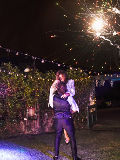 El final de la fiesta estuvo iluminado por los fuegos artificiales (Fotos: Koko Canet Fotógrafo y su equipo: Juanjo Martínez y Cristian Vellini)