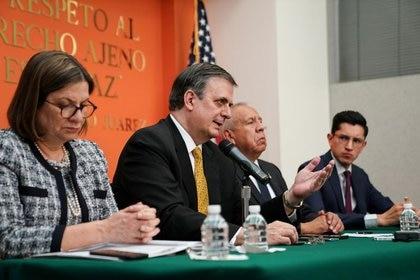 La embajadora de México en Estados Unidos, Martha Bárcena, captada en una conferencia con el canciller mexicano Marcelo Ebrard tras pláticas con el equipo de la administración del presidente Donald Trump en Washington, Estados Unidos. 10 de septiembre de 2019.  REUTERS/Sarah Silbiger