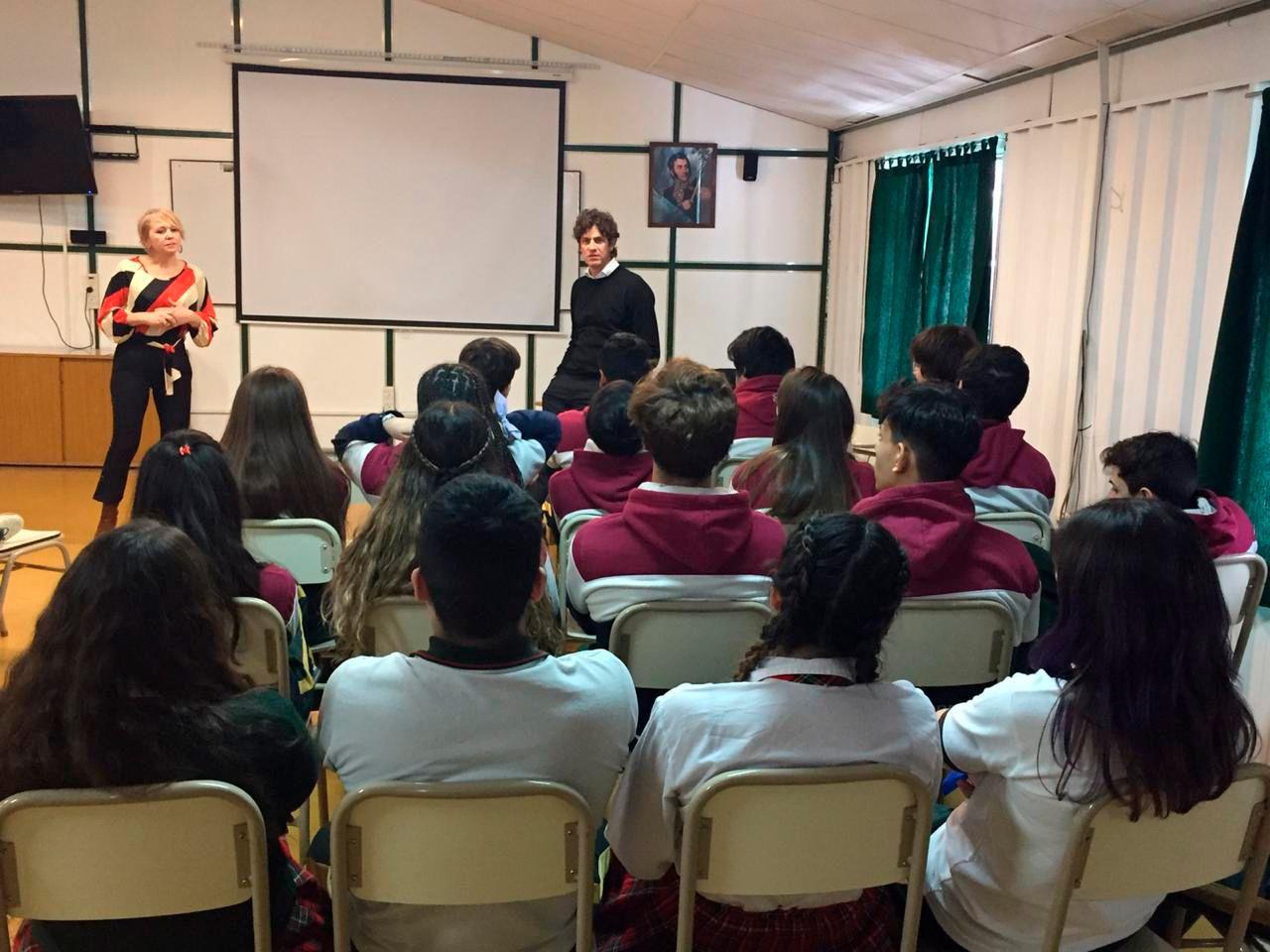 Lousteau habló con estudiantes de quinto y sexto año de un secundario fueguino