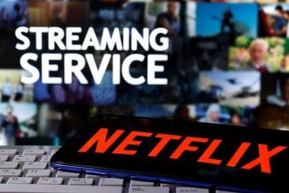 Netflix es uno de los servicios de streaming más populares del mundo, con más de 200 millones de suscriptores. REUTERS/Dado Ruvic