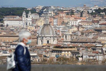"""""""Italia y España ofrecen advertencias sombrías sobre el futuro"""", advirtió el artículo de The Atlantic sobre el futuro inminente del sistema de salud en los Estados Unidos (Reuters/ Remo Casilli)"""