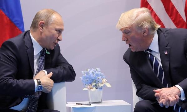 Putin y Trump, en la foto durante una reunión en el G20 en Hamburgo, dos de los protagonistas de esta cumbre