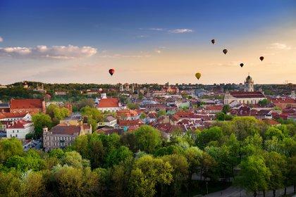 El primer puesto de este año lo ocupa Vilna, que superó a Varsovia por solo USD 1,41 (£ 1,07) por el costo promedio de un fin de semana