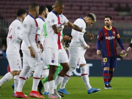 Messi en imagen contra todo PSG (REUTERS/Albert Gea)
