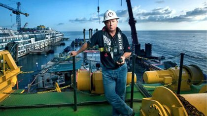 Nicholas Sloane quiere enfrentar el problema de la falta de agua con un iceberg.(http://sloanemarine.co.za/)