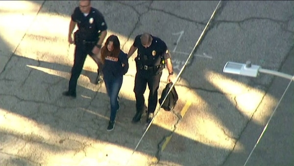 La joven agresora detenida por la policía
