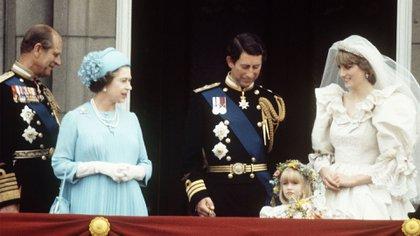El príncipe Felipe y la reina Isabel II en la boda del príncipe Carlos y Diana Spencer el 29 de julio de 1981