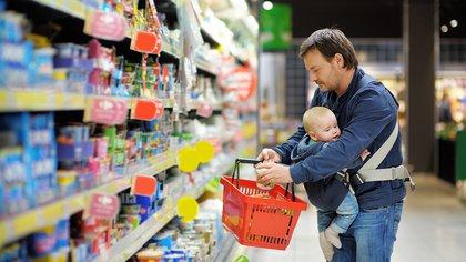 Las ventas en supermercados cayeron en abril 6,4% respecto al mes anterior y 12,6% respecto a ese mes de 2018