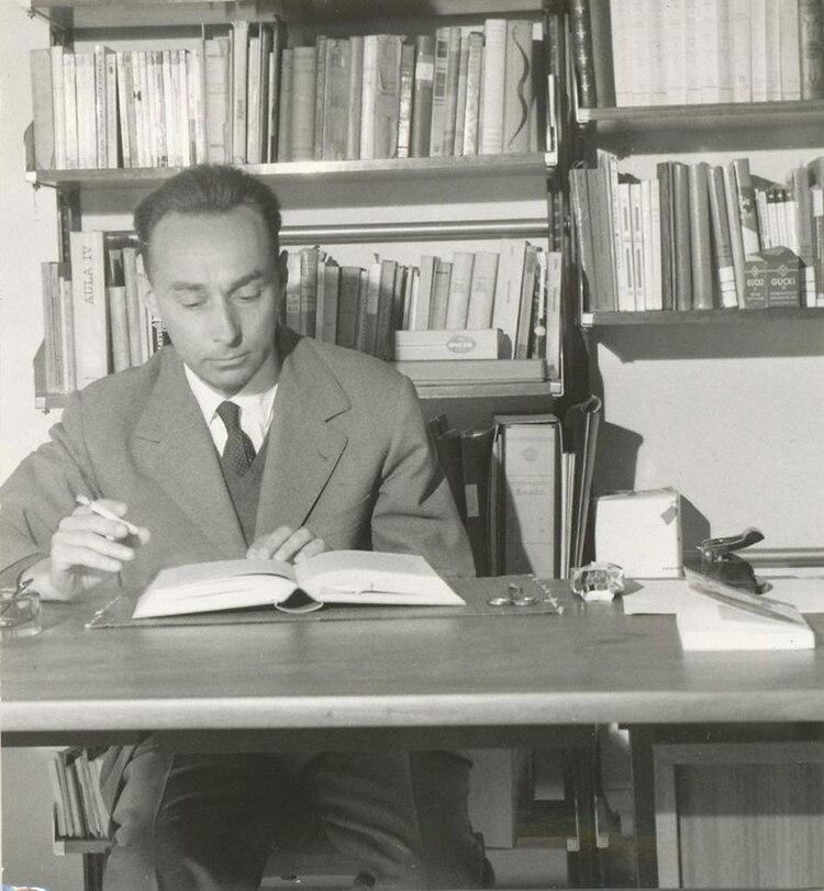 """Autor de novelas, cuentos y antologías literarias, Levi escribió la excepcional trilogía sobre su experiencia en los campos de concentración en los libros """"Si esto es un hombre"""", """"La tregua"""" y """"Los hundidos y los salvados"""""""