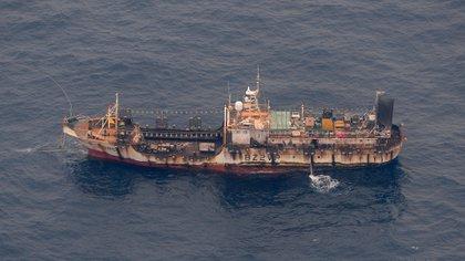 Muchos pesqueros ilegales carecen de las mínimas condiciones de seguridad exigidas por los organismos internacionales correspondientes.