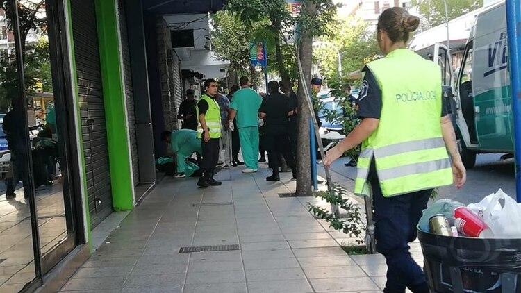 Tras el crimen, el atacante escapó del lugar en un Toyota Etios color gris (La Capital de Mar del Plata)