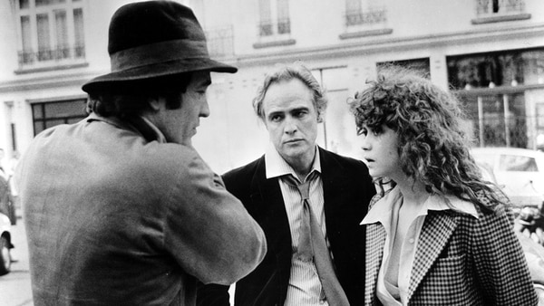 """Bertolucci junto a Marlon Brando y Maria Schneider en """"El último tango en París"""""""