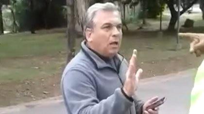 El médico Ernesto Prebisch quien insultó al personal de seguridad de un country de Yerba Buena en Tucumán deberá abonar $200 mil de multa económica que será destinada al Sistema Provincial de Salud provincial para la compra de elementos para la atención de pacientes con coronavirus.