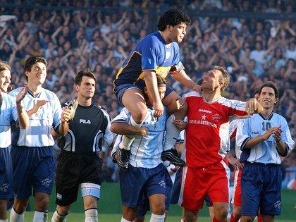Stoichkov, en el partido despedida de Maradona. Eran amigos. Hoy... (FotoBaires)
