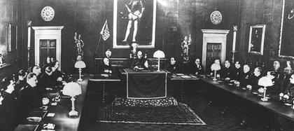El Gran ConsejoFascista que destituyó a Mussolini el 25 de julio de 1943
