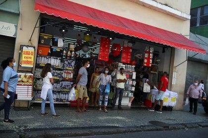 Hasta ahora las tiendas de alimentos eran las únicas permitodas en Río de Janeiro