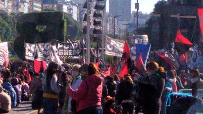 Las protestas en el centro porteño (@zero19801)