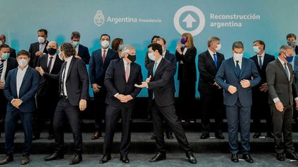 Alberto Fernández junto a los gobernadores en el encuentro que tuvo el último viernes