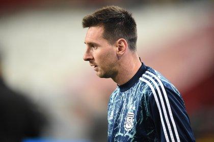 Messi, con la indumentaria de la Selección. Frente a Perú, en Lima, tuvo una muy buena actuación y sólo le faltó el gol (Ernesto Benavides/Pool via REUTERS)