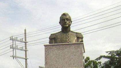 El busto de San Martín en las calles de Manila, Filipinas, donde combatió y murió uno de sus hermanos