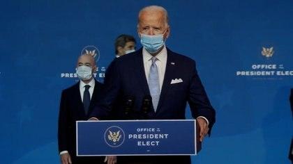El presidente electo de Estados Unidos, Joe Biden, reitera la importancia de usar máscaras para prevenir la progresión del virus corona.
