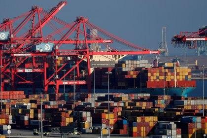 El plan de Biden también prevé reconstruir los puertos del país (REUTERS/Mike Blake)