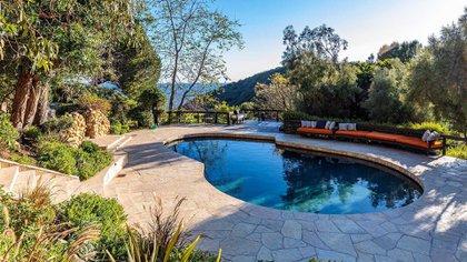 La casa tiene dos piscinas y una terraza con jacuzzi (Grosby)