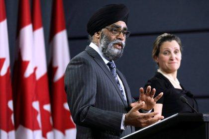 Harjit Sajjan, ministro de Defensa canadiense, el otro funcionario perjudicado por el ciberataque ruso (REUTERS/Chris Wattie)