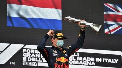 Fórmula 1: Verstappen ganó en el accidentado GP de Emilia Romaña y encendió la competencia con Hamilton